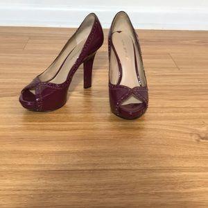 Via Spiga patent leather spectator heels sz 5.5